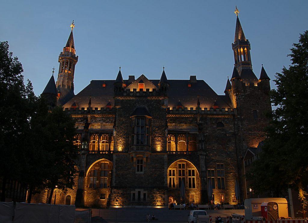 Aachener Rathaus, Markt