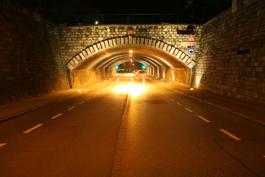 Tunnelbeleuchtung, Hüttenstraße