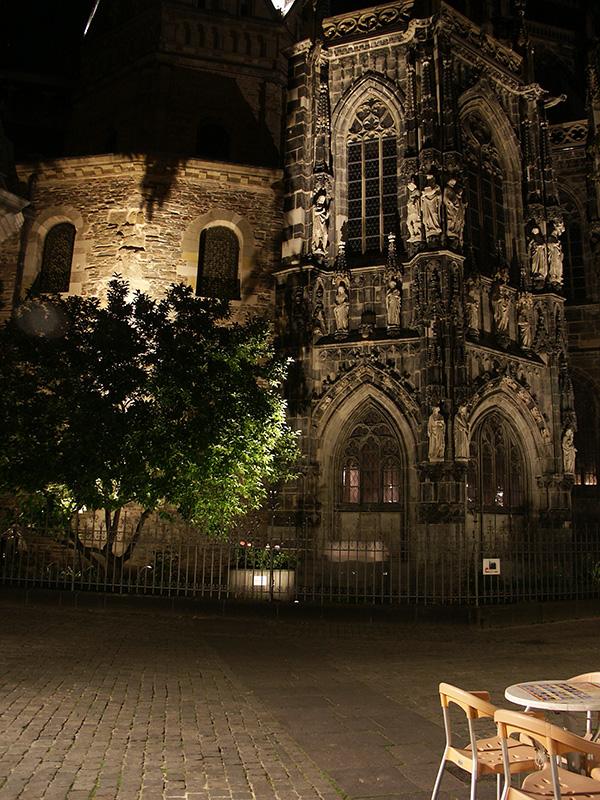 Aachener Dom, Münsterplatz