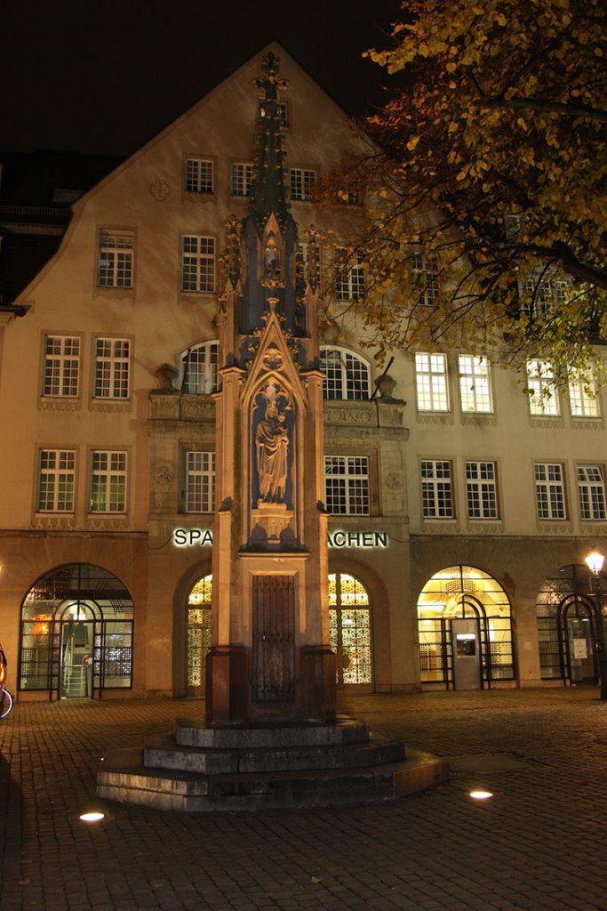 Mariensäule, Münsterplatz